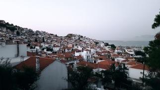 Blick auf Skopelos Stadt