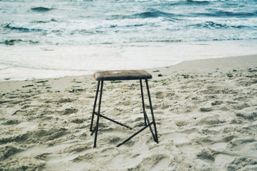 'random chair' (analog)