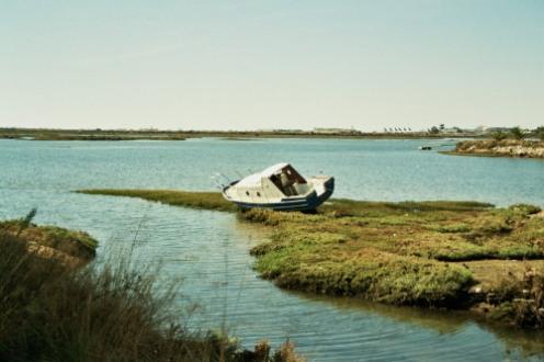 liegengebliebenes Boot